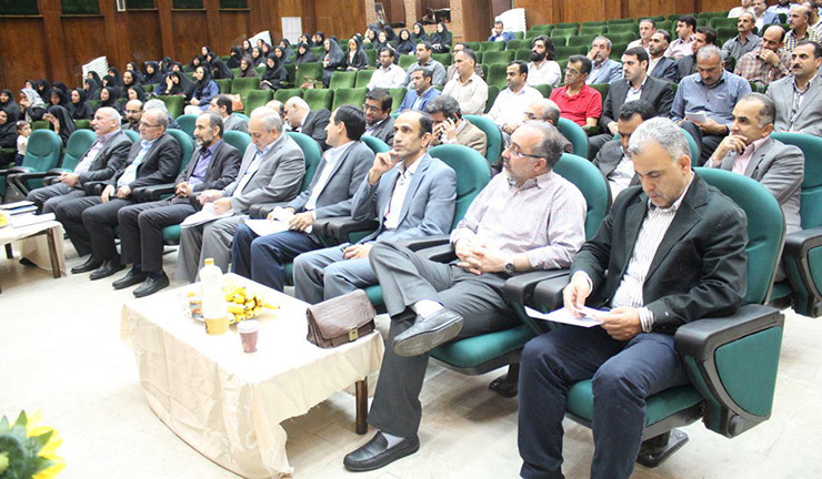 به مناسبت هفته دولت تجلیل از کارمندان نمونه دانشگاه علوم پزشکی بابل